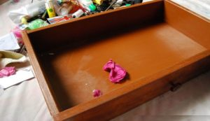 Deep-Clean-Your-Drawer