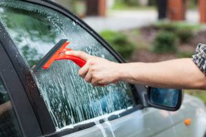 Car-Glass-Cleaning