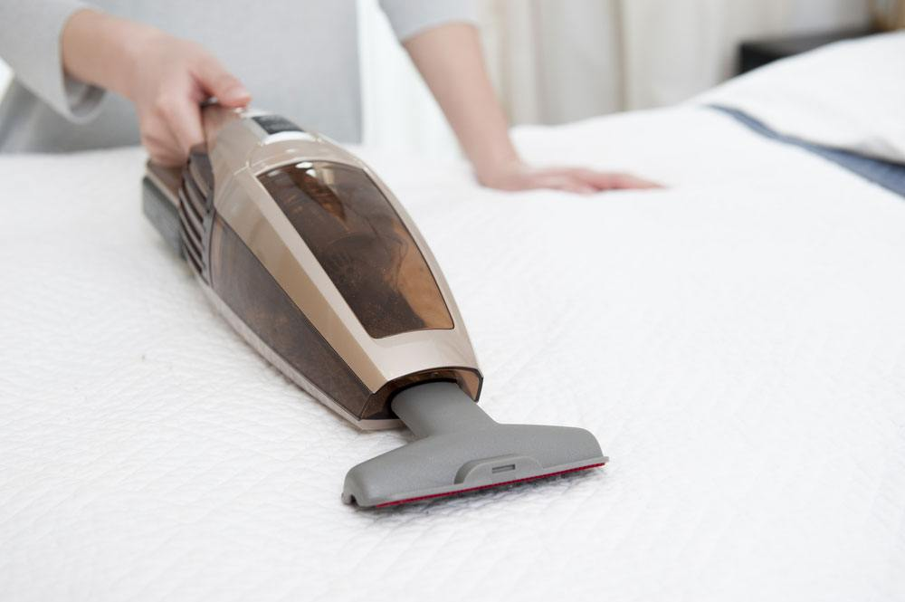 Clean-and-vacuum-Mattress
