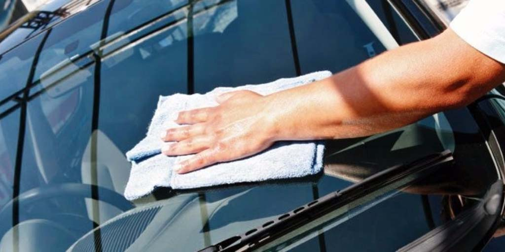 Auto Glass Washing