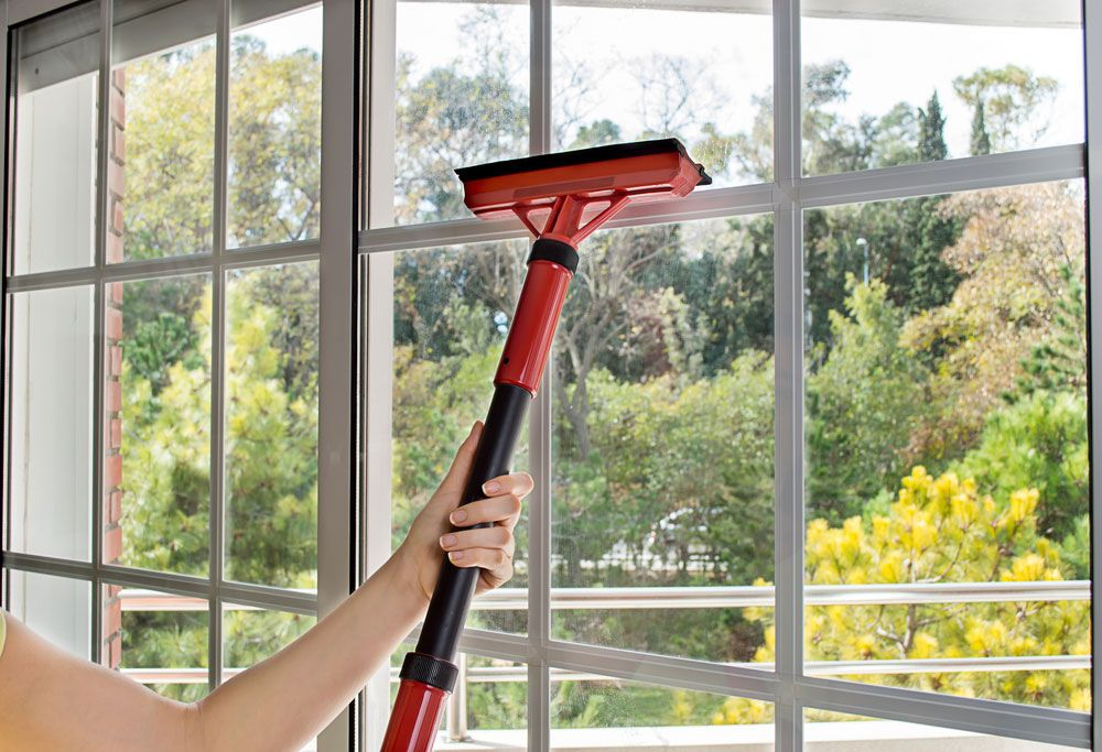 Household-window-cleaning